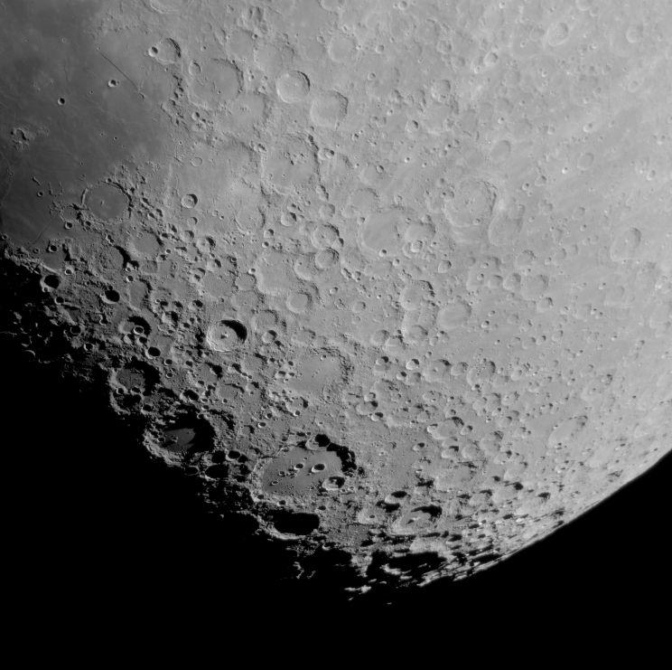 Moon_231109_lapl4_ap1032_fw-lumi_dSinc15